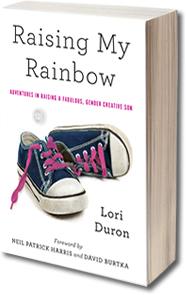 O livro, escrito pela mãe, que também é um blog - raisingmyrainbow.com