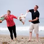 A praia também é um óptimo sítio para tirar fotografias e deixar cair bebés.